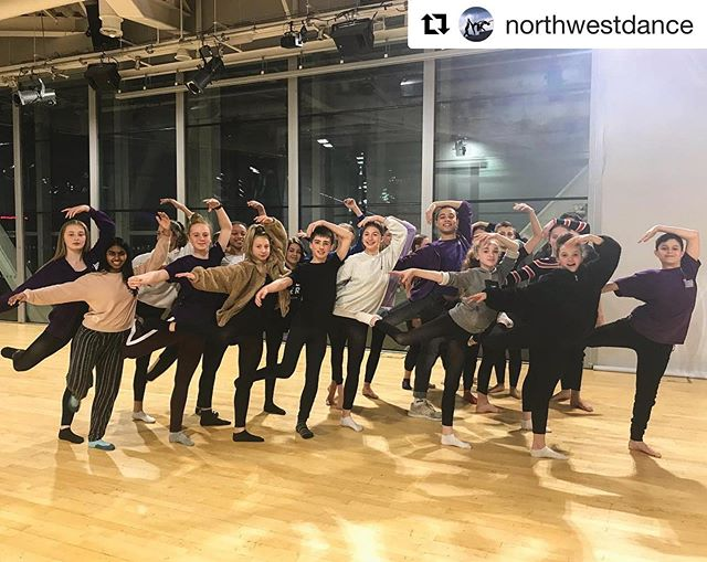 @northwestdance with @get_repost ・・・ CAT Alumni and @mbnewadventures dancer @isaacbowry teaching our current CAT Cohort the swan pose It's always so lovely to welcome students back! Once a Lowry CAT student, always a Lowry CAT student @natdancecatuk @the_lowry