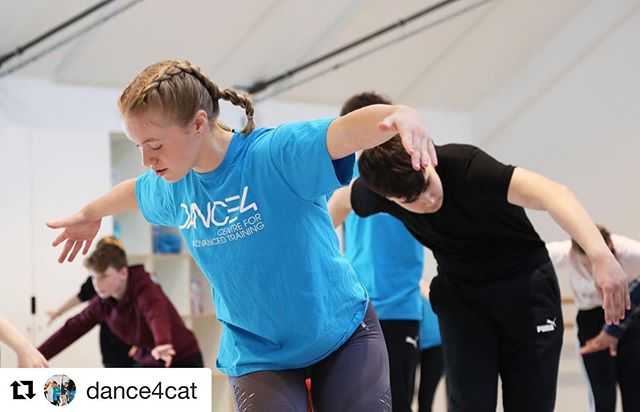 @dance4cat ・・・ Dance4's Centre for Advanced Training (CAT) is offering a FREE open taster session in Derby for young people aged 11–17 on Saturday 7 March.  The session will include contemporary technique and creative tasks, as well as the opportunity to ask any questions you might have.  Booking is essential for this taster session. Please follow the link above to submit a booking form.  For more information or if you have any questions please e-mail cat@dance4.co.uk or phone 0115 924 2016.